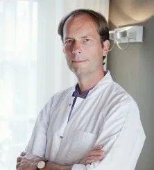 Dr. Etienne Lommen
